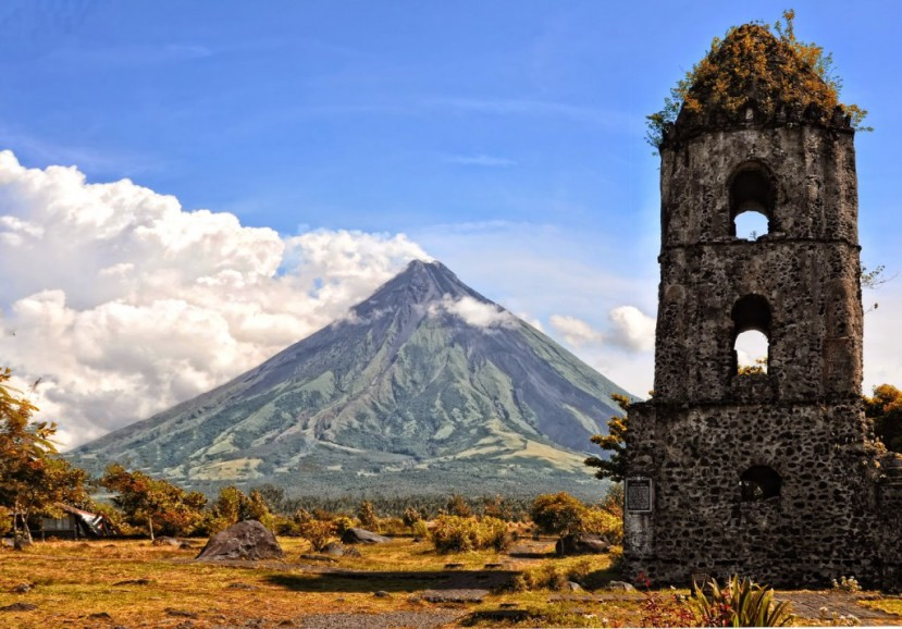Mayon Volcano-philipines 1-13-2017