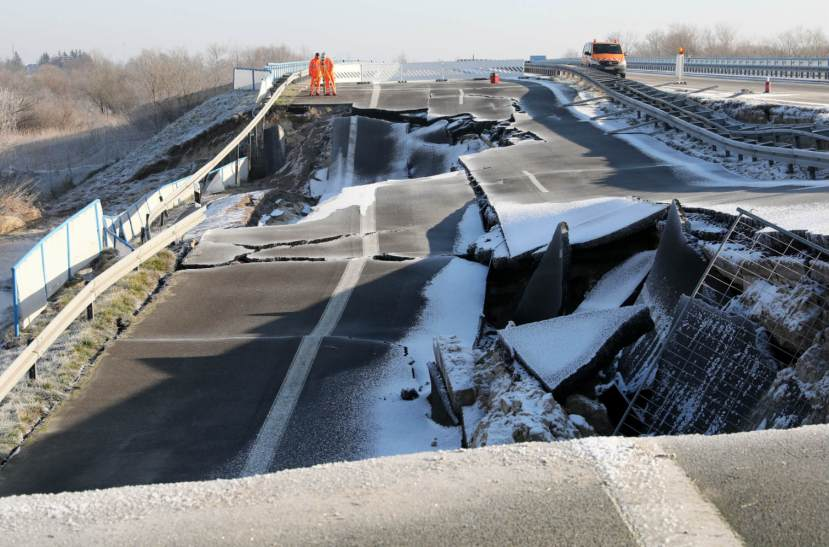 Sinkhole Germany 2-7-2018 thelocal.de