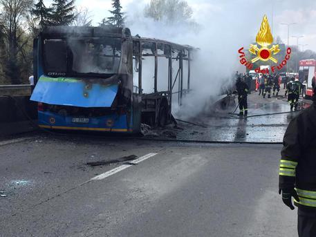 Terror School Bus Milano fire Image: Ansa.it